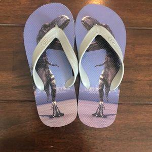 GAP flip flops kids size 3/4